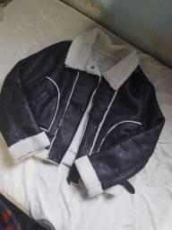 Jaqueta de couro com pelinhos tamanho P