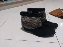 Sapatos e bota novos. Ótimo preço