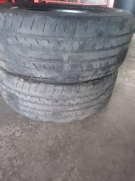 Dois pneus  205/55/16 Goodyear