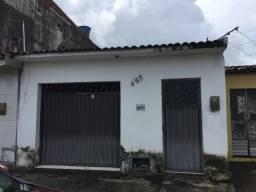 Vende-se casa no vergel do lago/ Rua São Félix medindo 5 de frente por 28 de fundos