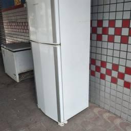 Vendo geladeira frost free 450 ltrs grande !!!