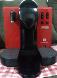 vendo ou troco ( cafeteira elétrica Nespresso Dêlonghi. 220v.