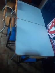 Mesa Infantil com 4 Cadeiras R$ 200,00 cada Conj.