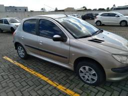 Peugeot 206 1.4 2005 completo + couro