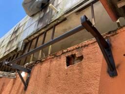 Barra fixa de parede