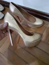 Sapato  número 37