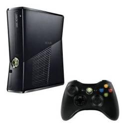 Título do anúncio: Xbox 360 3 manetes e vários jogos