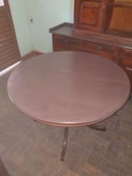 Mesa redonda antiga de madeira maciça