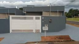 Casa com duas suítes no Jardim Montevideu