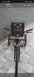 Triciclo novinho aro 26