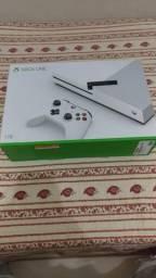 Xbox One S, 1tb, 4 meses se uso