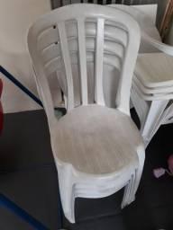 Cadeiras plásticas Promoção!