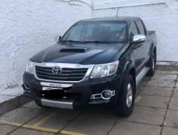 Hilux srv 4x4 diesel bem conservada - 2012