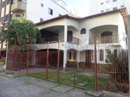 Casa c/ 5 quartos sendo 2 suítes , Churrasqueira e 3 vagas de garagem
