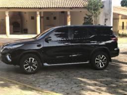 Toyota Hilux SW4 SRX - 2017