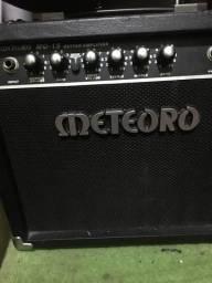 Amplificador meteoro 15W