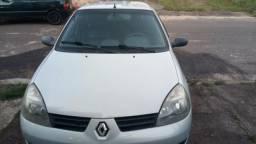 Clio Hatch - 2008