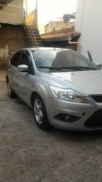 Ford Focus 1.6 hacth - 2012