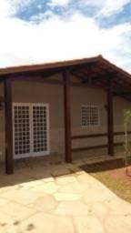 Aluga-se casa no Condomínio La Font