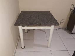 Mesa com tampo de mármore 150 negociável