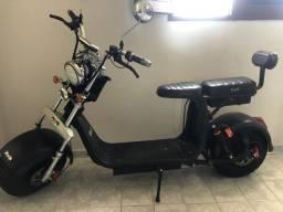 Moto elétrica tipo scooter