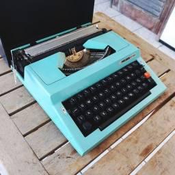 Modelo Búlgara Maquina de escrever antiga - antiguidade