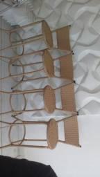 Banquetas em fibra sintética