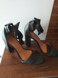 Vendo sandália N41
