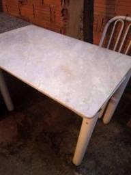 Mesa de mármore branca