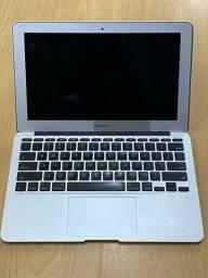 Macbook Air 11 polegadas - COM CARREGADOR e CASE