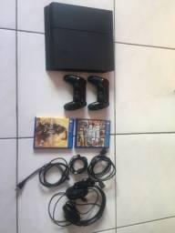 PS4 2 controles + 130 jogos