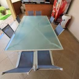 Excelente oportunidade. R$1.200,00 - Linda mesa em alumínio com 8 cadeiras