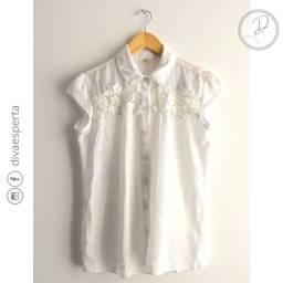 Camisa Botão Branca Manga Curta Detalhe Renda - Tam.38