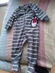 Pijama Carter's com pézinho 9meses