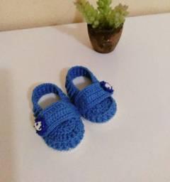 Sapatinhos e sandalinha de crochê Novos