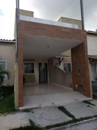 Casa reformada com 2/4, garagem e área de serviço coberta no Azul Ville Duo