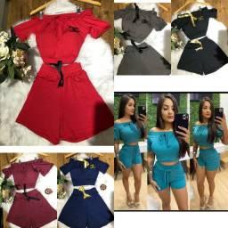 Vários modelos de roupas meninas