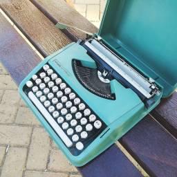 Fabricada em 1981 tudo ok Maquina de datilografia antiga - antiguidade