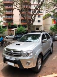 SW4 - Hilux 7 lugares