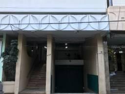 Apartamento na Av. Hercílio Luz com 2 dormitórios + dependência de empregada