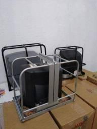 Grade de proteção para motor de portão de garagem