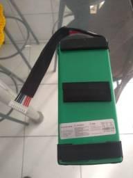 Vendo bateria JBL Boombox nova original