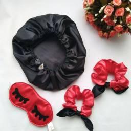 Kit Touca de Cetim com Máscara de dormir e scrunchies