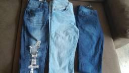 Calça jeans bem conservadas