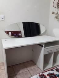 Mesa para escritório ou manicure