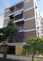Apartamento de frente com varanda na Rua Bangu!