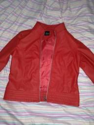 Jaqueta de couro vermelha, usada poucas vezes