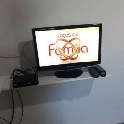 TV pequena usada mais aparelho conversor