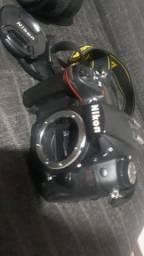 Máquina Fotográfica D7000 Com Poucos Cliques, 3 Lentes em Perfeito Estado