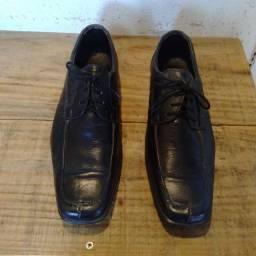 Sapato Cia do terno N40